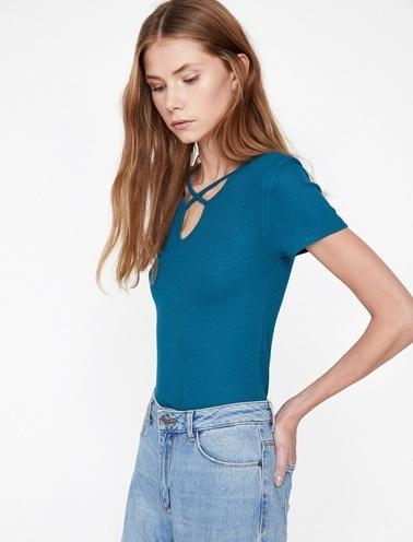 Koton Yaka Detaylı T-Shirt Yeşil